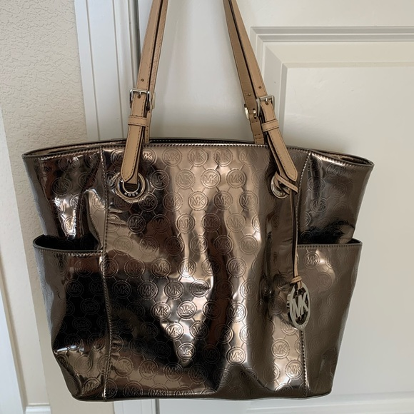 Michael Kors Handbags - Metallic Michael Kors Purse